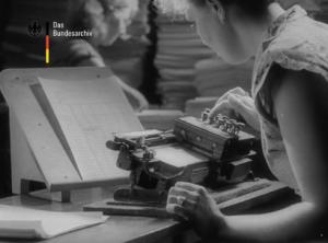 Still from Welt im Bild reel from August 28, 1953.