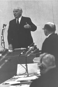 Historian Salo Baron testifies at Adolph Eichmann's trial in Jerusalem.